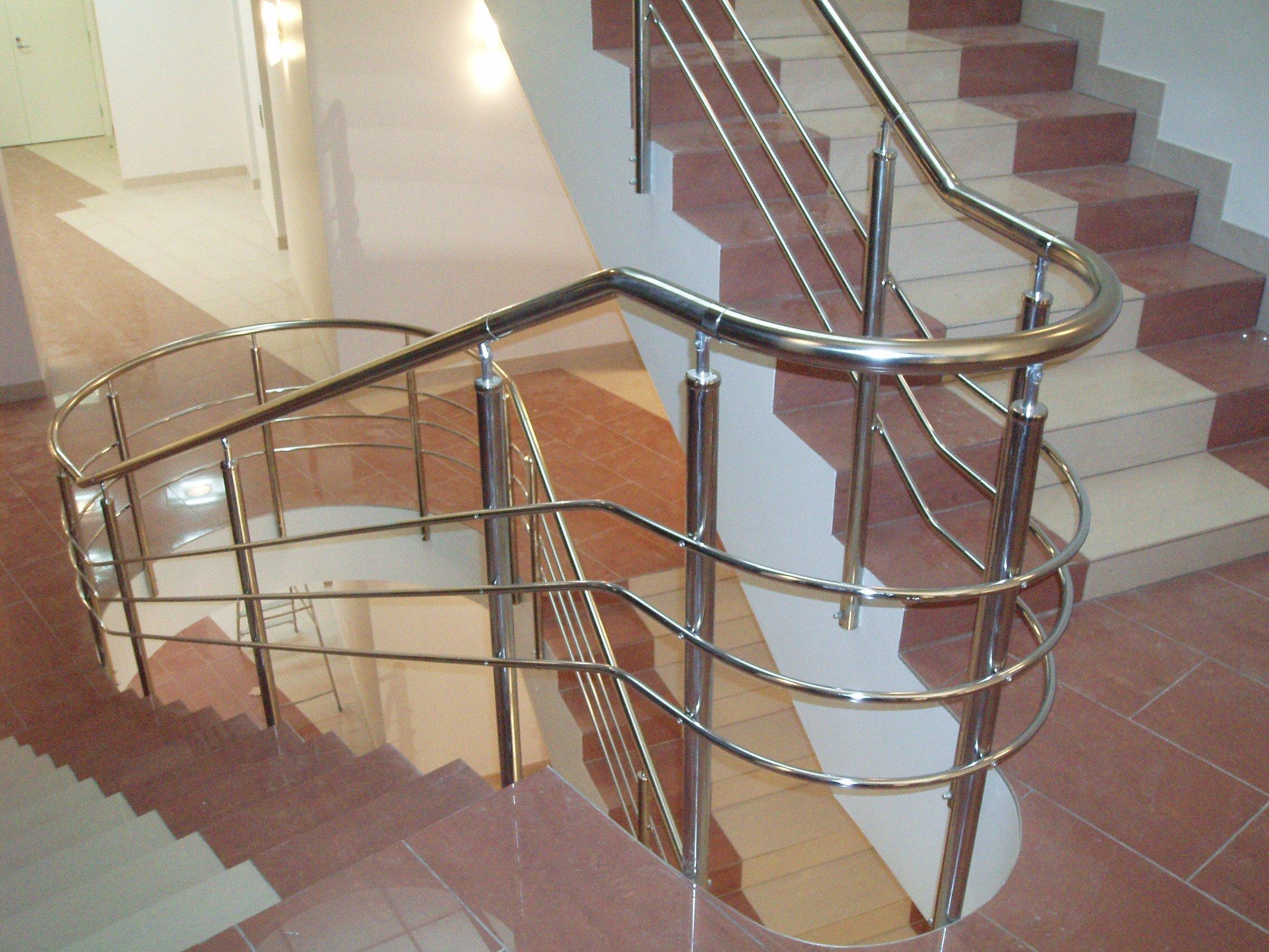 Поручни и перила из алюминия — ограждения лестничных маршей