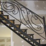 Маршевая лестница на косоурах